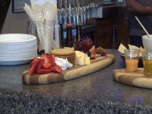 Snacks accompany the beer at What Ales You in Kihei. Photo by Kiaora Bohlool.