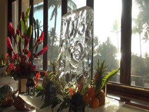 Chinese New Year ice sculpture at Molokini Bar & Grille. Photo by Kiaora Bohlool.