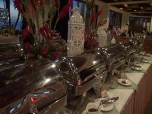 Rows of food at Mākena Beach & Golf Resort's Chinese New Year buffet. Photo by Kiaora Bohlool.