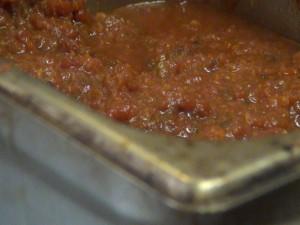 Fresh marinara sauce at Maui Pasta Company. Photo by Kiaora Bohlool.