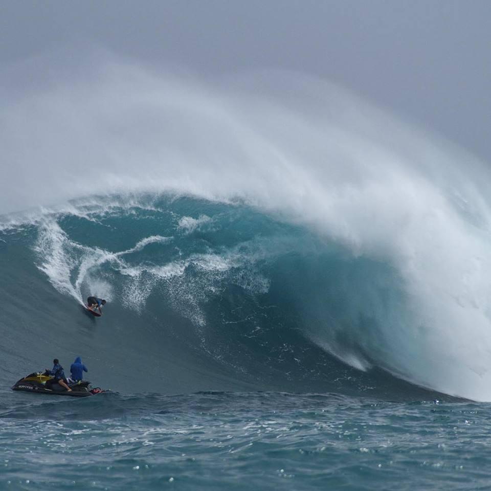 "Pe'ahi ""Jaws"" 2.25.16 / Image: Wangdu Hovey Pe'ahi Surf Media"