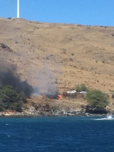 Vehicle fire Honoapiʻilani Hwy. 2/11/16. Photo credit: Jenn Wakefield.