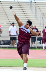 Baldwin's Andre Vaivela finished third in the boys shot put with a toss of 41 feet, 2 inches. Photo by Rodney S. Yap.