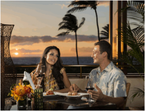 Sunset dining in Mākena. Photo courtesy of Mākena Beach & Golf Resort.