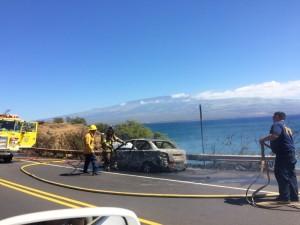 Vehicle fire Honoapiʻilani Hwy. 2/11/16. Photo credit: Moani King