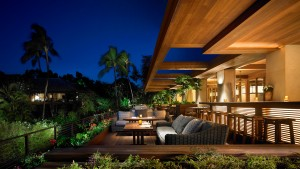 Dining at the newly-renovated Four Seasons Resort on Lānaʻi.  Photo courtesy of Four Seasons Resort Lānaʻi.