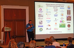 Mayor Maui Arakawa inspiring the audience with his speech at the inaugural day of 2015 Maui SBW. MBB photo.