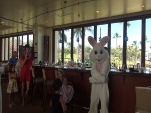 Easter bunny hops into Molokini Bar & Grille to visit and dance with kids. Photo by Kiaora Bohlool.