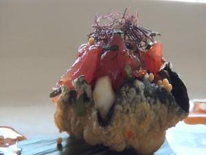 Ahi poke in tempura bulb at Roy's Kā'anapali. Photo by Kiaora Bohlool.