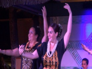Dancers in the free hula show for diners and guests at Kā'anapali Beach Hotel. Photo by Kiaora Bohlool.