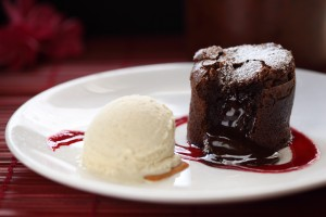 Melting hot chocolate soufflé, available at Roy's. Photo by Kiaora Bohlool.