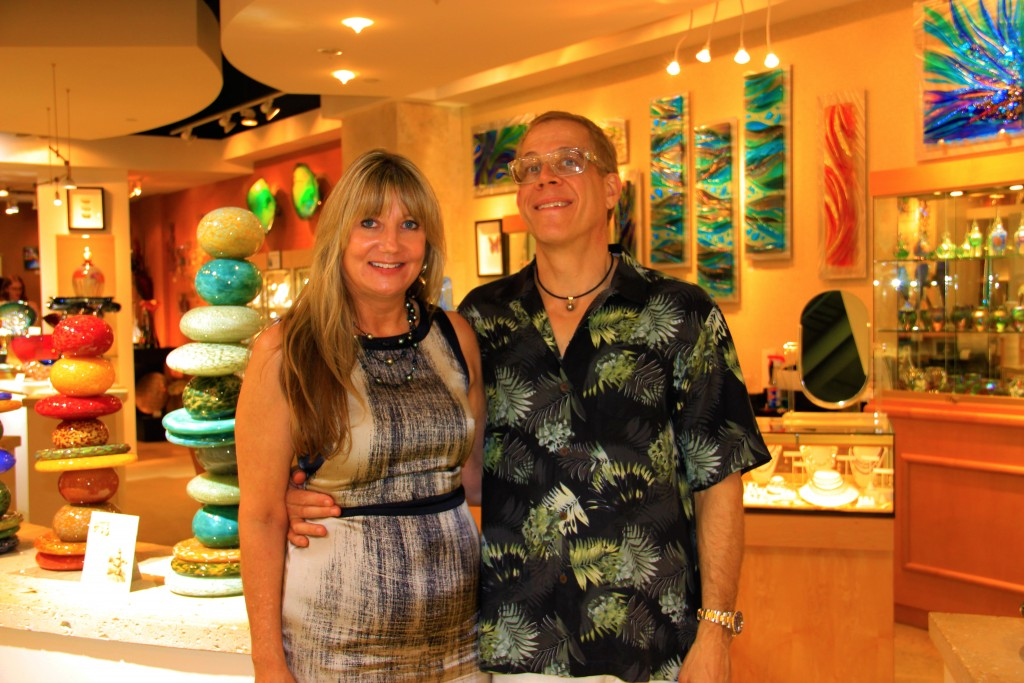Susan (Left) and John (Right) Sweitzer Ki'i Gallery. Photo credit: Marlo Antes.