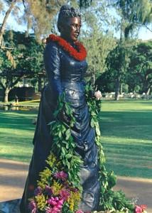 Young Kapiolani Statue. Courtesy photo: Hawaiʻi State Foundation on Culture and the Arts.
