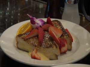 Stuffed french toast at Three's Bar & Grill in Kihei. Photo by Kiaora Bohlool.