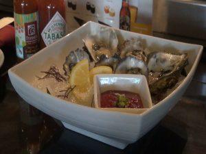 Freshly-shipped and freshly-shucked Kumumoto oysters. Photo by Kiaora Bohlool.