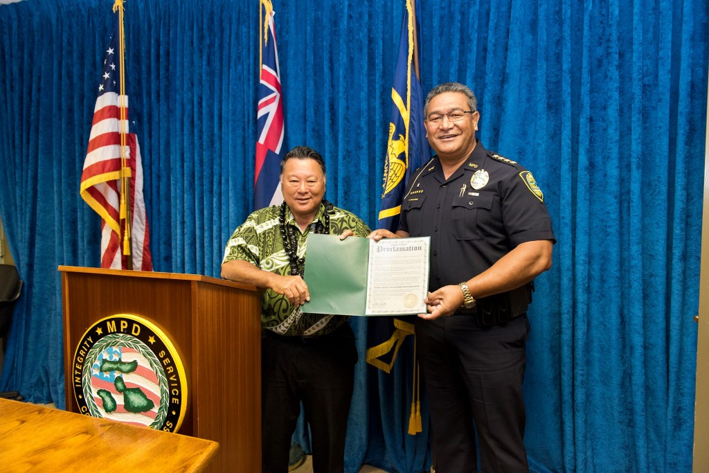 Telecommunications Week 2016. Maui Mayor Alan Arakawa (left) with Police Chief Tivoli Faaumu (right). (4.11.2016) (Photo: Ryan Piros)
