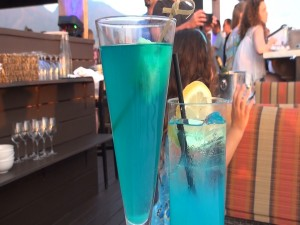 Blue drinks to mark World Autism Awareness Day at Fleetwood's on Front Street in Lahaina. Photo by Kiaora Bohlool.