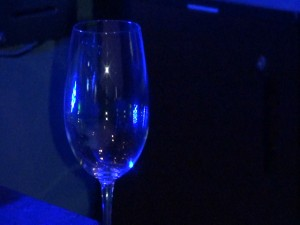 Blue-tinted wine glass at Fleetwood's. Photo by Kiaora Bohlool.