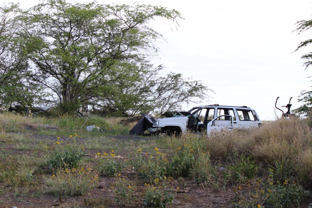 Fire Burns Abandoned Vehicles in Vacant Kahului Field. (4.18.16) Photo by Wendy Osher.