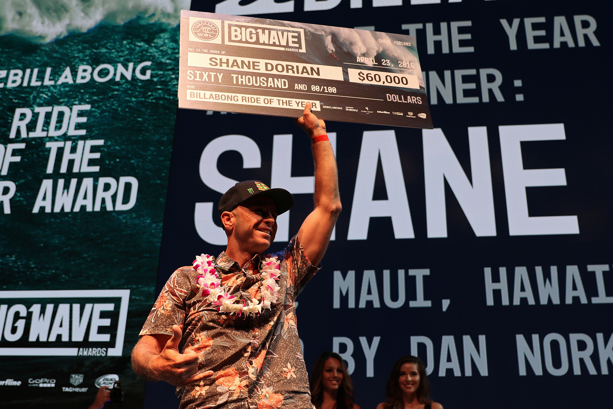 Shane Dorian secured the Billabong Ride of the Year Award for an incredible ride at Jaws earlier this year. He also won the Surfline Men's Overall Performance of the Year Award at the XXL Awards in Anaheim, California. Photo: WSL