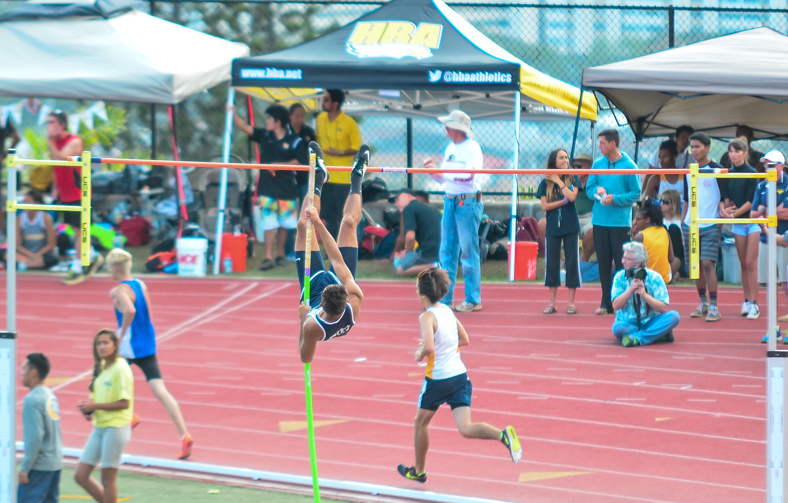 Kamehameha Maui's Quinn Hottendorf didn't win a medal at 12 feet, 9 inches, but he did gain valuable experience and closed out the year ranked No. 11. Hottendorf started the weekend No. 16 at 12-2. Photo by Rodney S. Yap.