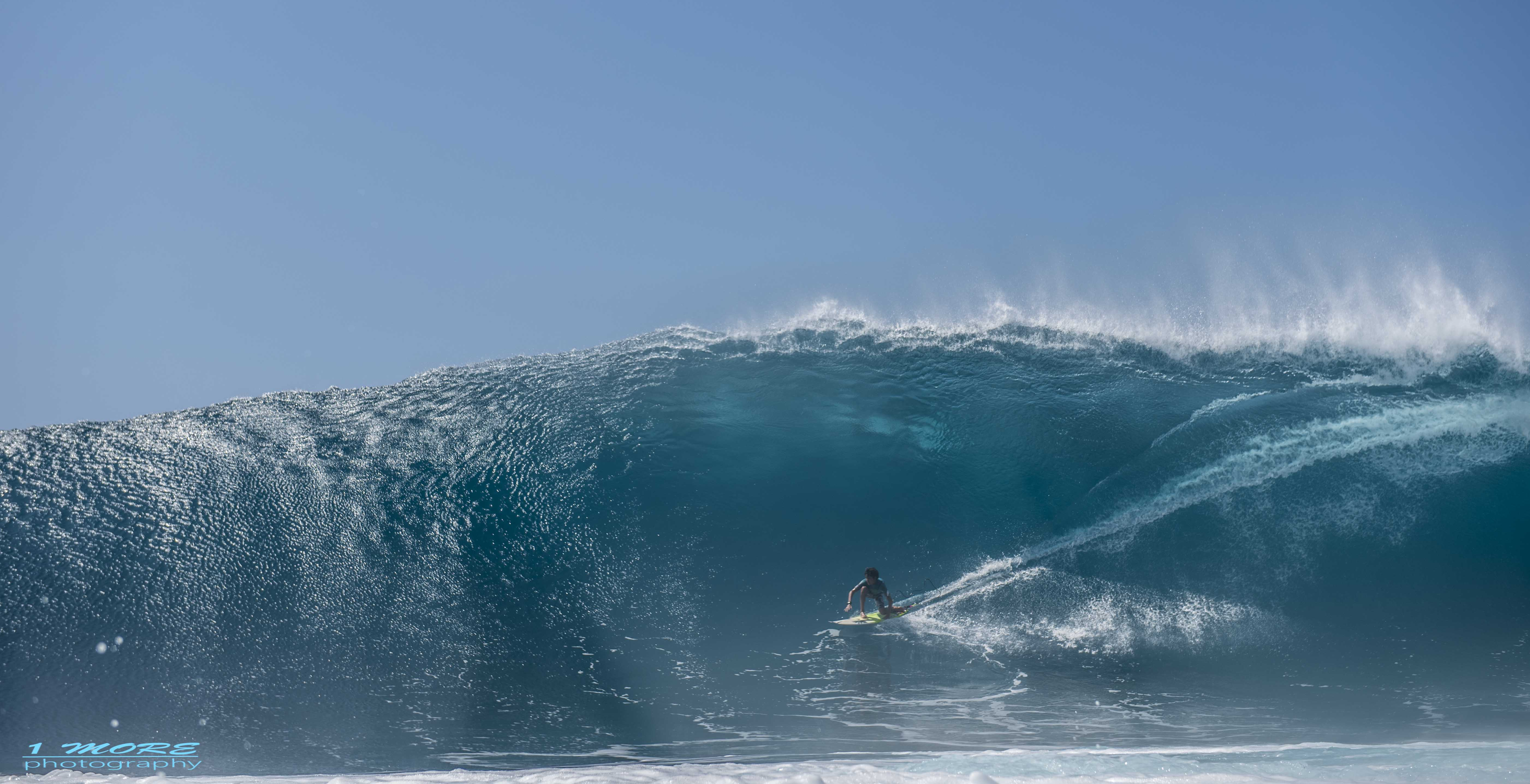 Jackson on a massive wave at Honolua Bay Photo: 1morephotography