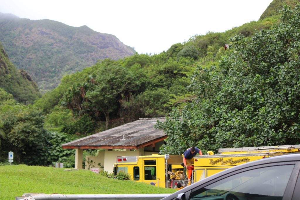 ʻĪao Valley rescue (5.18.16) Photo by Wendy Osher.