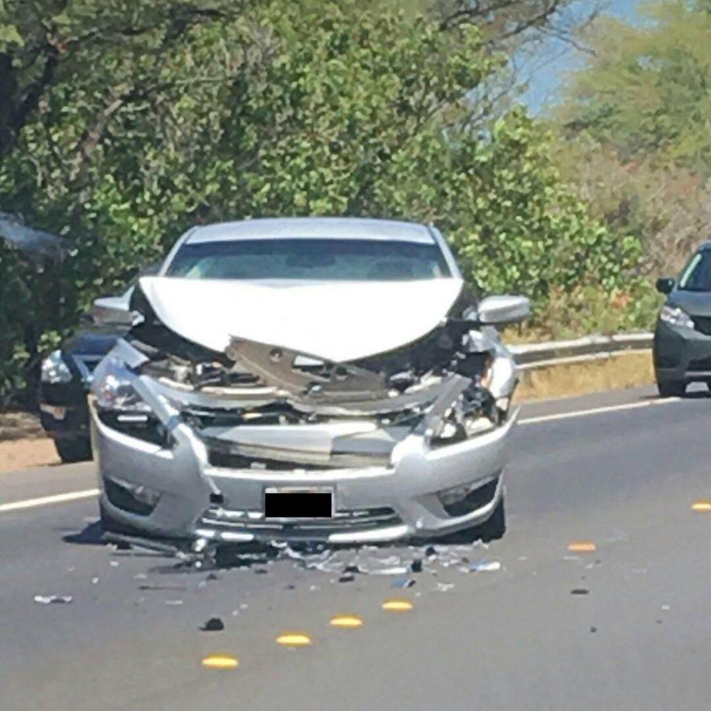 Honoapiʻilani traffic accident (6.7.2016) Photo credit: Genna Galindo.