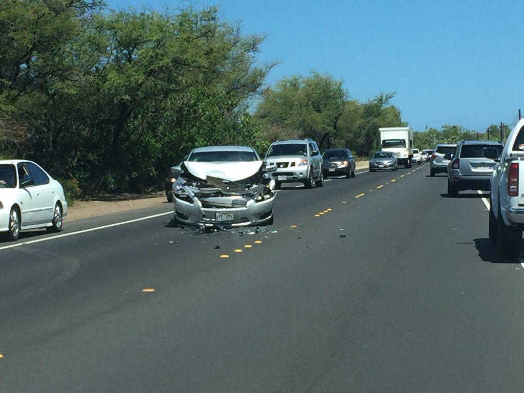 Honoapiʻilani traffic accident (6.7.2016) Photo credit: Tara Dugan.