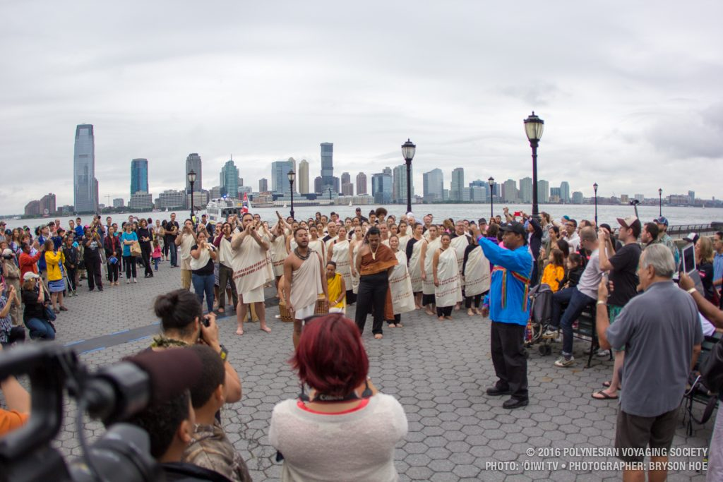 Hōkūleʻa arriving in New York. (6.5.2016) Photo credit: Polynesian Voyaging Society / Nāʻālehu Anthony / ʻŌiwi TV