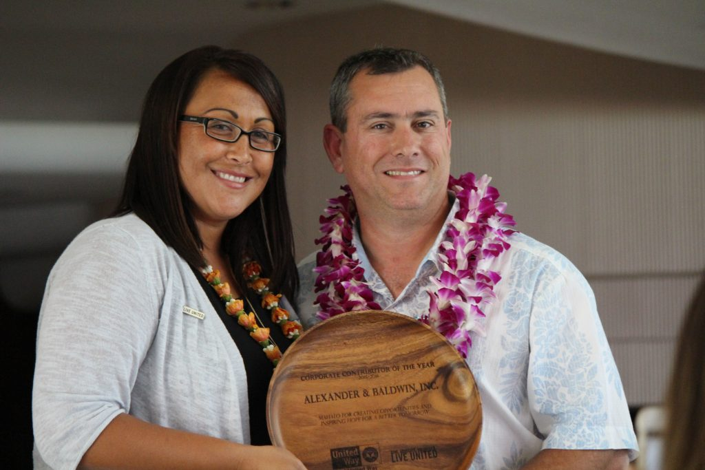 Maui United Way president Laksmi Abraham and HC&S general manager Rick Volner. Photo (6.9.16) by Wendy Osher.