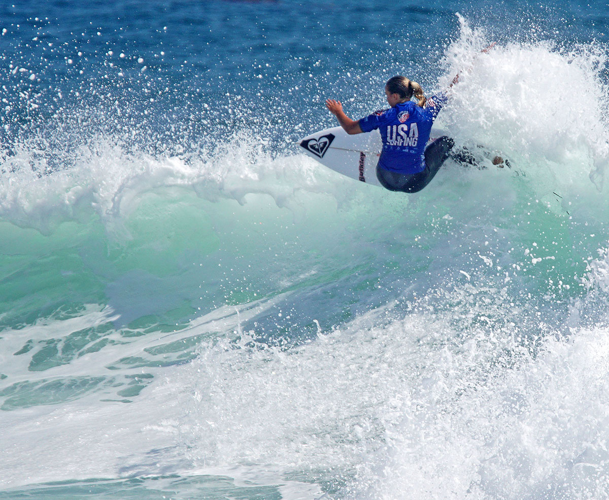 Maui's Summer Macedo rockets off the top, en route to second place in Girls Under 16 at Trestles. ///ADDITIONAL INFORMATION: 0626.sc.SURFING- 06/23/2016 - FRED SWEGLES, ORANGE COUNTY REGISTER Surfing America's USA Championships
