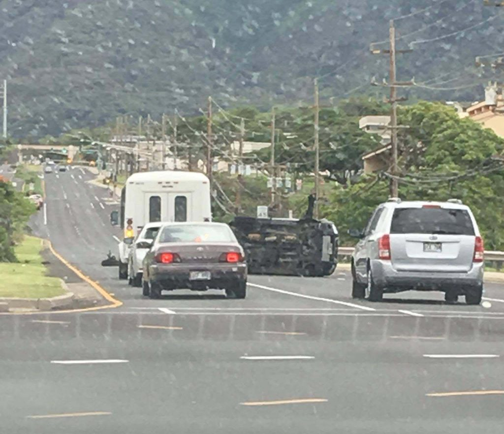 Kaʻahumanu Avenue traffic accident (6.2.16) Photo credit: Genna Galindo