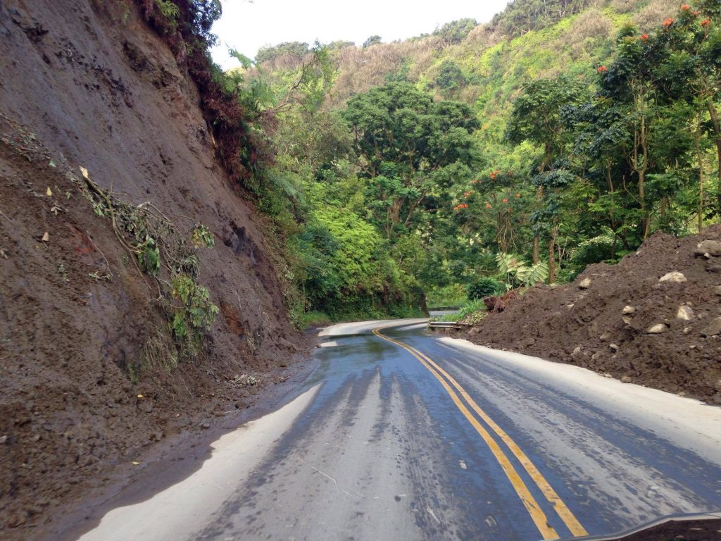 Hāna Highway landslide at Wailua after it was cleared. Photo 7.19.16 credit: Boeche ʻOhana.