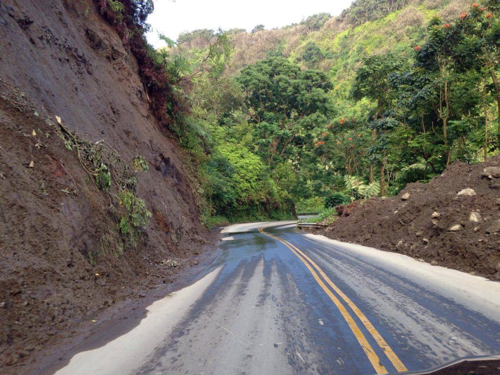 Hāna Highway landslide at Wailua after it was cleared. Photo 7.19.16 credit: Boeche ʻOhana.