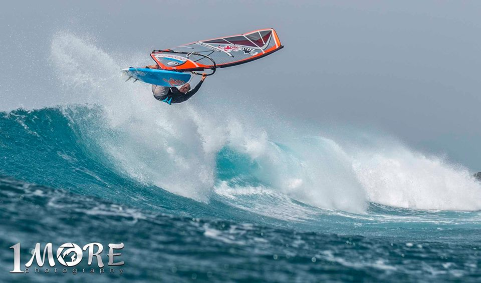 Kevin Pritchard off the top at Ho'okipa Photo: OneMore Photography