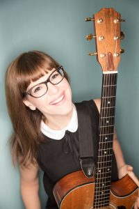 Lisa Loeb photo by Juan Patino.