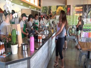 Lines on opening day at Fork & Salad in Kīhei's Azeka Mauka shopping center. Courtesy photo.