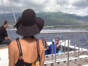 Guests enjoy the turtle release on board the Ali'i Nui boat. Photo by Kiaora Bohlool.