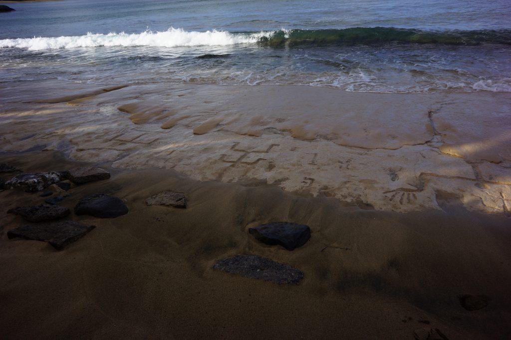 Waiʻanae petroglyphs. Photo credit: Hawaiʻi Department of Land and Natural Resources.