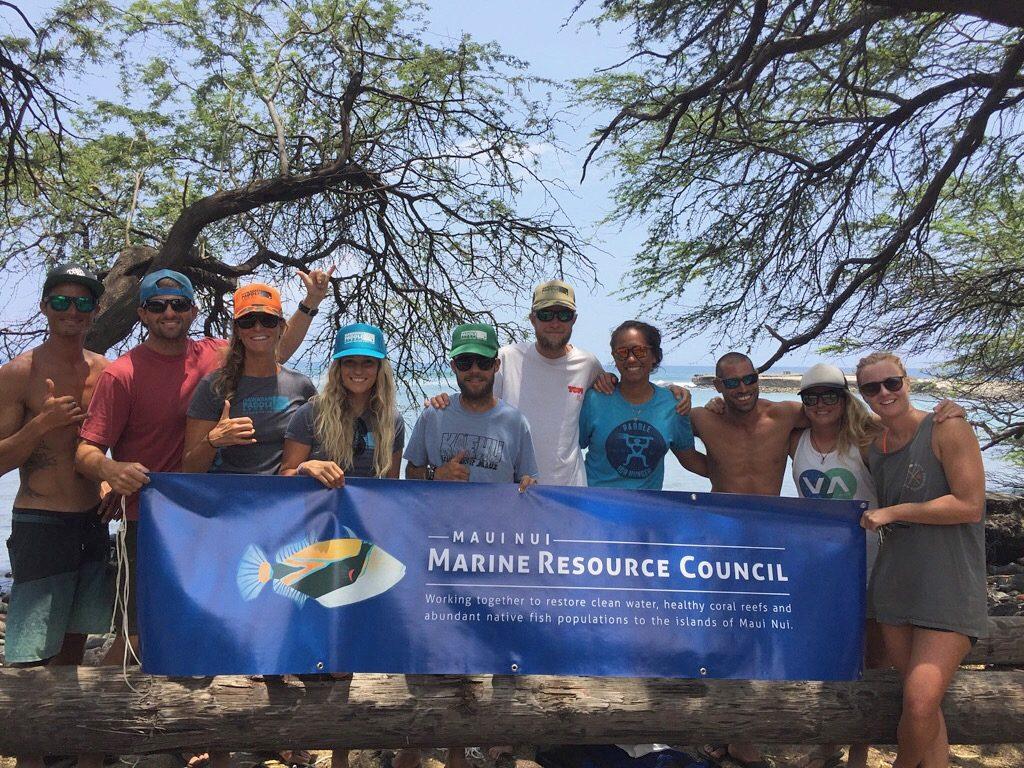 Maui Nui MNMRC group. Photo courtesy Hawaiian Paddle Sports.
