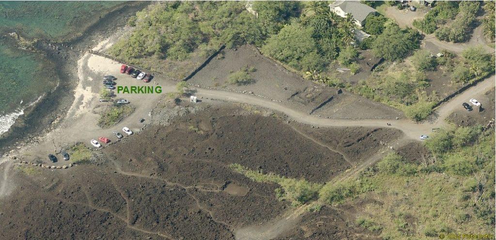 Parking at Keoneʻōiʻo (La Perouse).