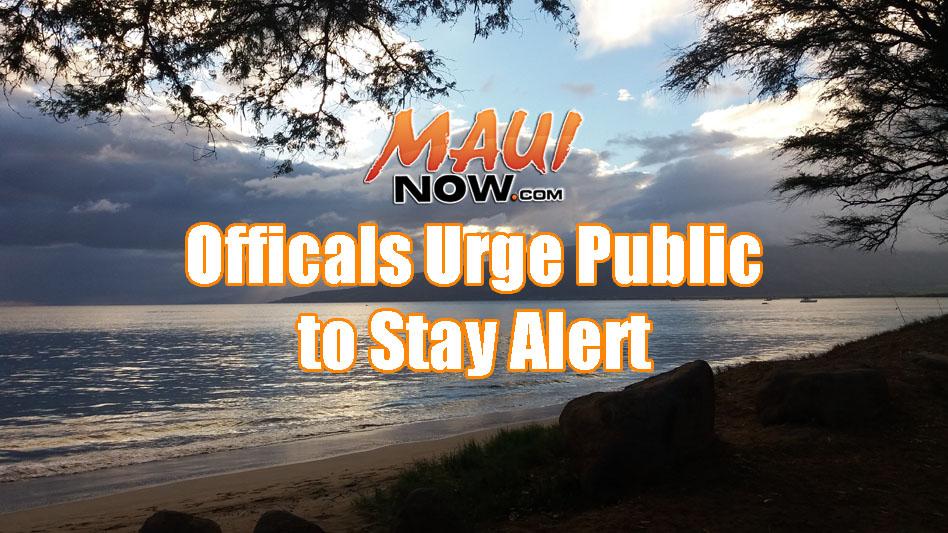 Background image credit: Renee Smith. Kīhei near Sugar Beach at 6:15 p.m. on 8.30.16.