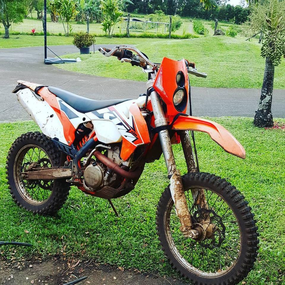 Stolen dirt bike. Taken from field behind Valley Isle Memorial Park in Haʻikū, 9.4.16.