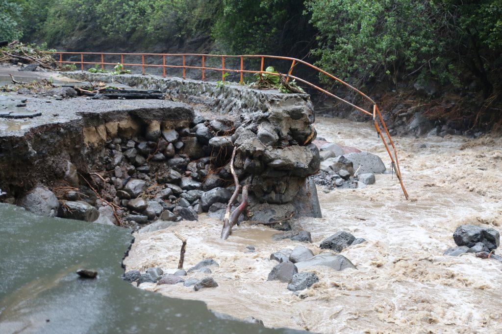 Kepaniwai damage to parking area. PC: Lois Whitney/County of Maui.