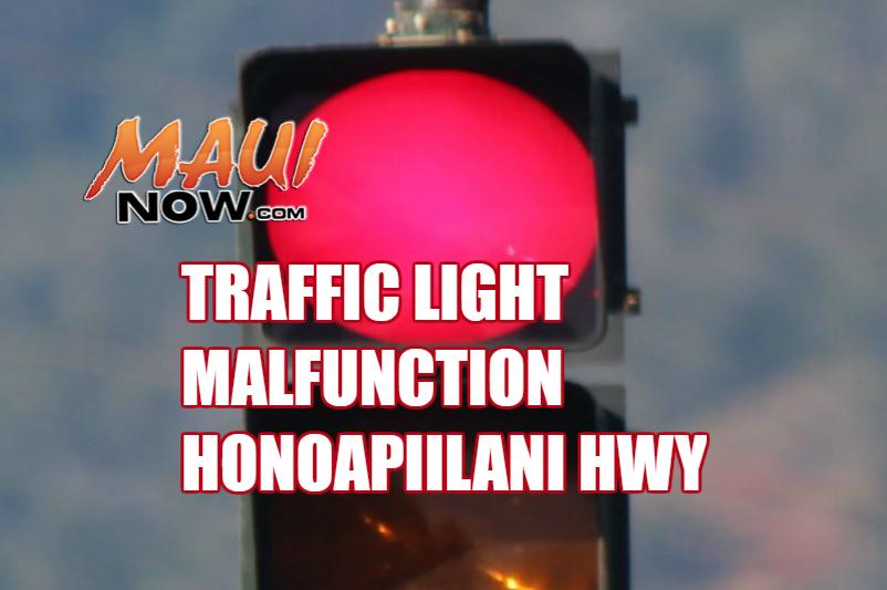Traffic light malfunction on Honoapiʻilani Hwy.
