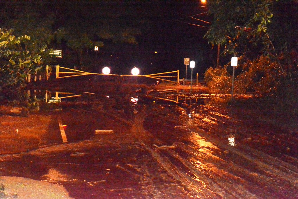 Thick mud blocks the entrance gate to Kepaniwai Park in Iao Valley. Photo: County of Maui / Lois Whitney