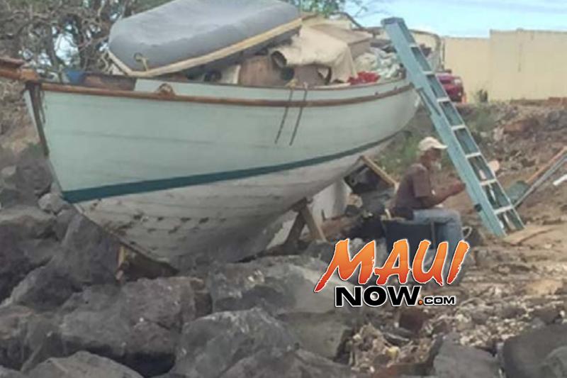 KOLINA on rock embankment at Kawaihae South Harbor (Exhibit 85) Image: US Coast Guard, Final Action Report.