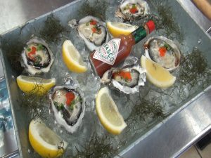 Kumamoto oysters at Da Shrimp Hale. Photo by Kiaora Bohlool.