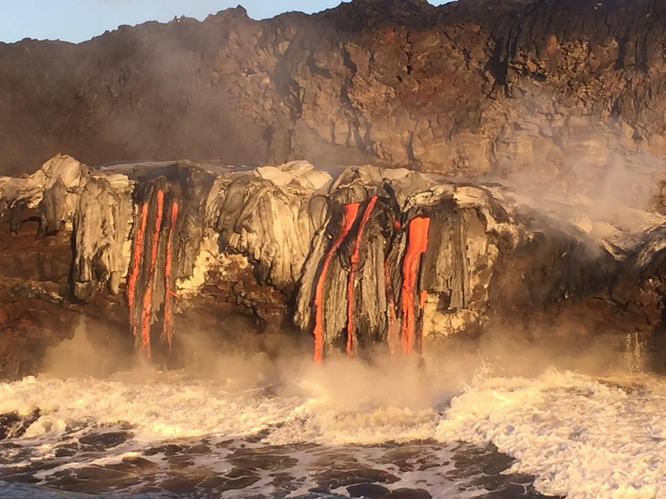 Kīlauea lava ocean entry, 10.13.16. PC: Robin Pilus, special thanks to Captain Skosh - Hoʻokupu Lava Tours.